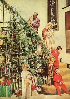 Vintage Good Housekeeping, December It is of Jose Ferrer and Rosemary Clooney and their gang. Vintage Christmas Photos, Old Fashioned Christmas, Merry Little Christmas, Christmas Past, Retro Christmas, Christmas Morning, Vintage Holiday, Christmas Pictures, Winter Christmas