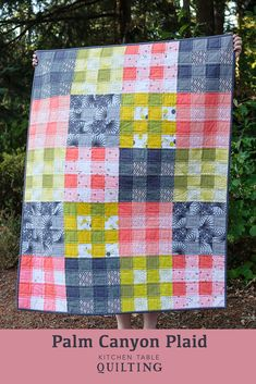 Palm Canyon Plaid Quilt (and scrap giveaway) (Kitchen Table Quilting) Patchwork Quilt, Plaid Quilt, Scrappy Quilts, Easy Quilts, Patchwork Ideas, Quilting Projects, Quilting Designs, Sewing Projects, Quilting Ideas