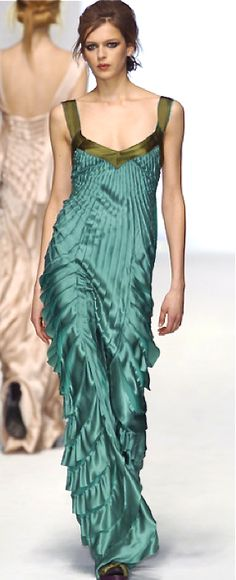 This must have been an absolute nightmare to make.   Alberta Ferretti