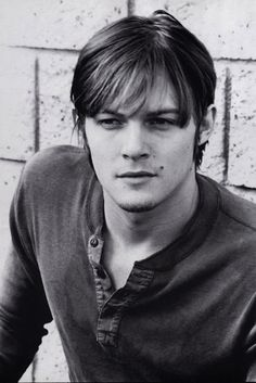 You faint again. HOW ARE YOU NOT SUPPOSED TO NOT FAINT WITH THIS? | The 23 Sexiest Pictures Of A Young Norman Reedus