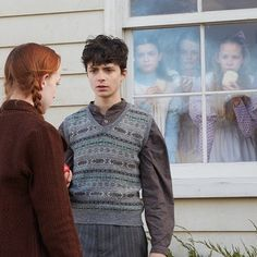 Gilbert Blythe rocking sweater vests since Gilbert Blythe, Jonathan Crombie, Anne Shirley, Anne Auf Green Gables, Gilbert And Anne, Amybeth Mcnulty, Anne White, Anne With An E, Cuthbert