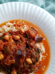 Slow Cooker Pomegranate Eggplant Chickpea Stew - This gluten-free, vegan chickpea stew is easy and flavorful. Vegetarian Main Dishes, Vegetarian Recipes, Healthy Recipes, Vegan Slow Cooker, Slow Cooker Recipes, Slow Cooker Eggplant, Okra And Tomatoes, Vegan Stew, Chickpea Stew