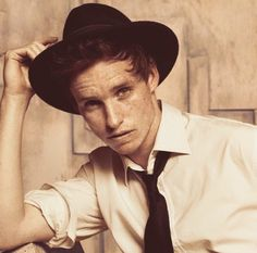 A tip of the hat to Eddie Redmayne and his delightfully dotted countenance on this Freckle Friday. Bae, Harry Potter, Eddie Redmayne, Fantastic Beasts And Where, Aidan Turner, Gorgeous Men, Beautiful Boys, Beautiful People, British Actors