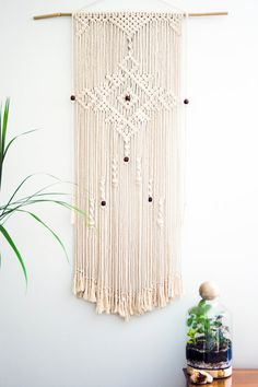 Crochet Patterns Modern Macrame wall hanging from PrettyKooky on Etsy Macrame Art, Macrame Projects, Macrame Knots, Macrame Curtain, Macrame Patterns, Quilt Patterns, Macrame Tutorial, Blog Deco, Wind Chimes