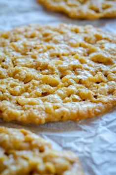 Oatmeal Lace Cookies   12 Tomatoes Crispy Oatmeal Cookie Recipe, Easy Oatmeal Cookies, Crispy Cookies, Buttery Cookies, Bar Recipes, Easy Cookie Recipes, Cookie Desserts, Sweet Recipes