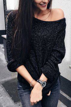 Black V-neck Knitted T-shirt With Splited Hem - US$17.95 -YOINS