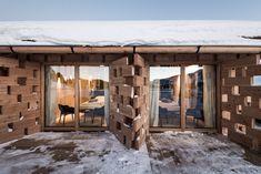 The 'Zallinger Refuge Hotel' in Seiser Alm, an alpine region in Italy known for its picturesque ski slopes, has had a recent refurbishment by Bolzano. Italy Architecture, Architecture Photo, Nachhaltiges Design, Wall Design, Urban Design, Alpine Chalet, Alpine Village, Modern Door, Types Of Doors