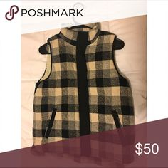 Madewell heavy vest Cute, cozy and great condition Madewell Jackets & Coats Vests