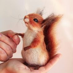 Super cute Fall inspiration for Felting squirrel