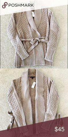 NWT Banana Republic Oatmeal Sweater Beautiful and comfy! Chunky oatmeal sweater with waist tie. Enjoy! Banana Republic Sweaters
