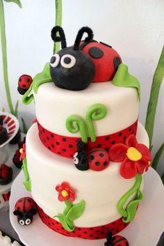Ladybug birthday party cake (scheduled via http://www.tailwindapp.com?utm_source=pinterest&utm_medium=twpin&utm_content=post156167637&utm_campaign=scheduler_attribution)