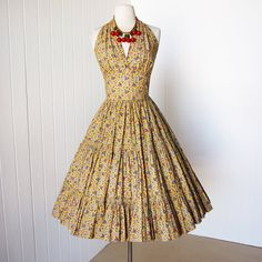 vintage 1950's dress ...fabulous SALLY N' SUSAN of california best fan floral novelty print cotton full circle halter pin-up party dress
