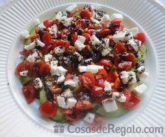 Ensalada de aguacate con mozzarela y olivada