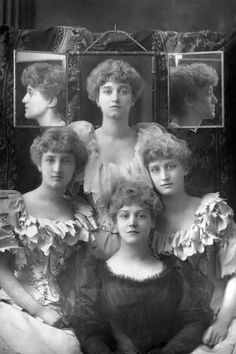Photographic Print: The Dene Sisters, 1893 by W&d Downey : 24x16in