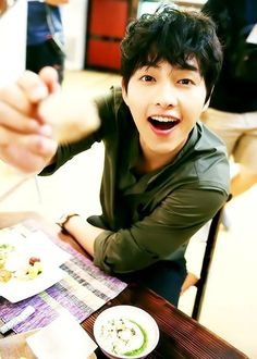 Song Joong Ki ♡ behind the scene of nice guy Korean Star, Korean Men, Asian Actors, Korean Actors, Song Joong Ki Cute, Kdrama, Soon Joong Ki, Sun Song, A Werewolf Boy