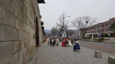 한복, Hanbok  On my way to National Folk Museum of Korea today I felt like I was way back to the Joseon dynasty. Many people were on Hanok walking around Gyeongbokgung palace. I guess this is new trend wearing Hanbok and walking around traditional palace.   #한복[hanbok] = Korean traditional clothes  #경복궁[gyeongbokgung] = Main royal palace in Joseon dynasty. Built in 1395