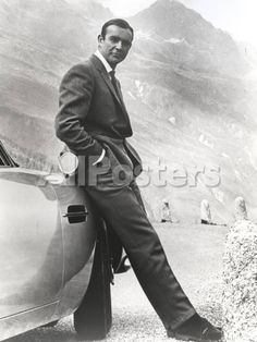 Sean Connery Leaning on Car in Formal Outfit People Photo - 23 x 30 cm
