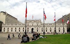 El Palacio de La Moneda, comúnmente conocido como La Moneda, es la sede del presidente de la República de Chile. Fue inaugurado en 1805.