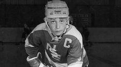 Gretzky: A kid from Brantford Hockey World, Hamilton Ontario, Wayne Gretzky, Edmonton Oilers, Hockey Cards, National Hockey League, Hockey Players, Ice Hockey, Pink Floyd