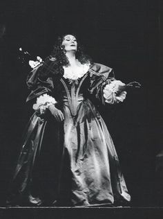Joan Sutherland as Lucia