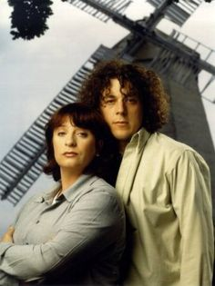 Alan Davies & Caroline Quentin: Jonathan Creek  Madeline Magellan is an investigative journalist. While writing a story about the murder of a famous Artist she happens across a quiet but brilliant man named Jonathan Creek. He makes a living inventing magical tricks for Adam Klaus. Adam is a very famous magician but it's Jonathan that is the real genius behind Adam's illusions. Madeline (Maddy) and Jonathan team up to solve the Artist murder and then again to solve more near-impossible cases.