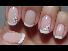 Unhas decoradas delicadas e simples de fazer nails in 2019 ногти, идеи для French Nails, Cute Nails, Pretty Nails, Hair And Nails, My Nails, Nagellack Trends, Short Nails Art, Flower Nails, Nail Arts