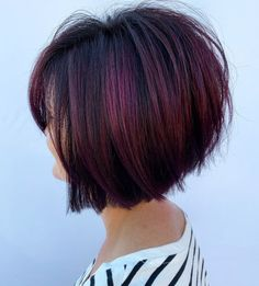 Short Black Hair with Burgundy Highlights Burgundy Hair With Highlights, Deep Burgundy Hair, Color Highlights, Hair Highlights, Medium Stacked Haircuts, Stacked Bob Hairstyles, Pixie Hairstyles, Bob Haircut Back View, Short Hair Back View