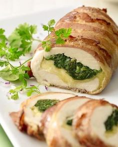 Gevulde kipfilet met spinazie en mozzarella - Health and wellness: What comes naturally I Love Food, Good Food, Yummy Food, Healthy Foods To Eat, Healthy Recipes, Easy Recipes, Dinner Recipes, Banana Split Dessert, Milanesa