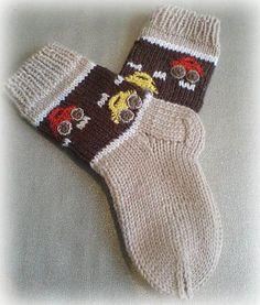 Socks With Cars Pattern by Iya Kryukova (Ravelry), free