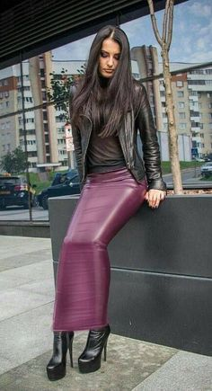 Long Leather Skirt, Leather Jacket, Hobble Dress, Spanx Leather Leggings, Long Skirt Fashion, Rubber Dress, Pinterest Design, Dress Shoes, Skirt Outfits