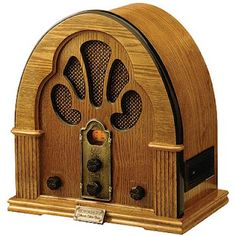 1922, President Warren G. Harding had a radio installed in the White House.