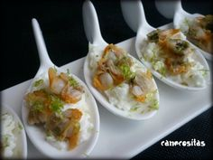 cucharitas de berberechos 3 Hors D'oeuvres, Finger Foods, Love Food, Catering, Sushi, Buffet, Food And Drink, Appetizers, Mexican