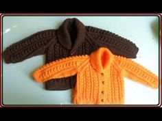 Детский жакет с шалевым воротником / Видео урок. Обсуждение на LiveInternet - Российский Сервис Онлайн-Дневников All Free Crochet, Crochet For Kids, Knit Crochet, Barbie Knitting Patterns, Knit Patterns, Knitting For Kids, Baby Knitting, Crochet Baby Sweaters, Knit Baby Booties