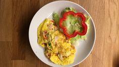 Omelett med salat Guacamole, Mexican, Ethnic Recipes, Food, Omelette, Meals, Yemek, Eten