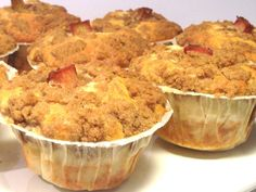 Rabarbermuffins med kaneltopping Bun Recipe, Doughnuts, Frisk, Cookie Recipes, Mashed Potatoes, Food And Drink, Sweets, Cookies, Cupcakes