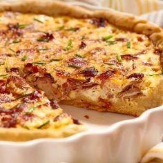 Recept: Quiche s kyselým zelím a uzeným Halloumi Burger, A Food, Food And Drink, Bacon Quiche, White Cheddar Cheese, Dried Beans, Pie Plate, Deep Dish, Quiche Lorraine