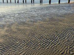 15.6.2014  tema: prazen... zaliv, morje je še vedno pod vplivi polne lune, zato je bila oseka močna