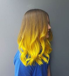 New hair color trends balayage curls ideas Yellow Hair Color, Bright Hair Colors, Ombre Hair Color, Cool Hair Color, Yellow Nails, Bright Yellow, Pink Yellow, Hair Color Trends Balayage, Balayage Hair