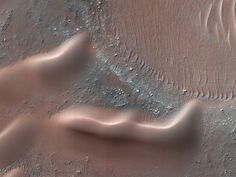 The dunes of Mars are on the move. But where are they going?