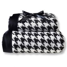 Mommy & Me Blanket set- Black Puppytooth #Blackandwhite #Monochromatic #Nursery #Gift #BabyShower #mother #Child #Babies #Blankets #Cute #Love