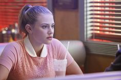 """Riverdale -- """"Chapter Five: Heart of Darkness"""" -- Image Number: -- Pictured: Lili Reinhart as Betty Cooper -- Photo: Bettina Strauss/The CW -- © 2017 The CW Network. All Rights Reservedpn Riverdale Season 1, Riverdale 2017, Riverdale Cast, Riverdale Fashion, Betty Cooper Riverdale, Riverdale Betty, Vanessa Morgan, Lili Reinhart, Pretty Little Liars"""
