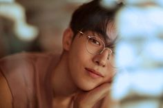 Discovered by ほし☆. Find images and videos about model, korean and nam joo hyuk on We Heart It - the app to get lost in what you love. Nam Joo Hyuk Wallpaper, Nam Joohyuk, Korean Actors, Find Image, Kdrama, We Heart It, China, Glasses, Boys