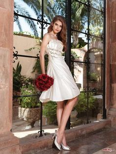 Unusual Design Pleated Bodice Beaded Short Wedding Dresses