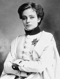 Maude Adams as L'Aiglon, Napoléon's son.  (from a Charlie Chaplin film about Napoleon Bonaparte)