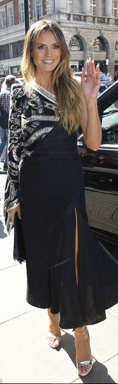 Who made  Heidi Klum's sandals and black dress?