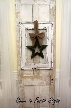 So simple...a little vaseline, white spray paint, a spackle knife and chicken wire!  Down to Earth Style: A Salvaged Frame