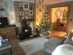 Just back from dog walking and it's bloody freezing outside now time for a cuppa – fantastic room avesome Cottage Living Rooms, New Living Room, Home And Living, Living Room Decor, Layout Design, Design Ideas, Shabby, Christmas Room, Xmas