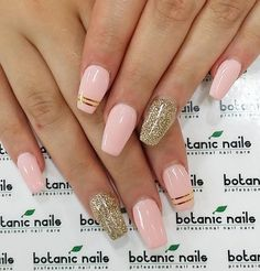 Girly and yet fab. If you want to get that kind of vibe, this pink and gold coffin nails would do the work best.