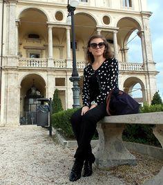 A romantic pullover (by Nuni Piccolomini) http://lookbook.nu/look/4097756-A-romantic-pullover