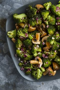 A moreish salad that will make you want to eat your veg! Use Spur Sauces and Spices to bring out the flavours. Broccoli Salad, Sprouts, Vegetables, Recipes, Food, Recipies, Broccoli Salads, Hoods